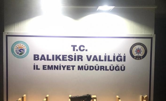 Balıkesir'de polis son 1 haftada 111 aranan şahsı yakaladı