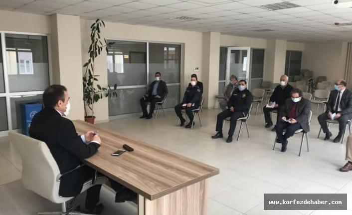 Burhaniye'de tam kapanma toplantısı