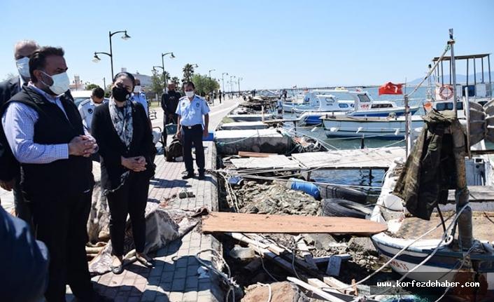 Ayvalık'ta AK Parti İl Başkanı Başaran fırtına mağdurlarıyla buluştu