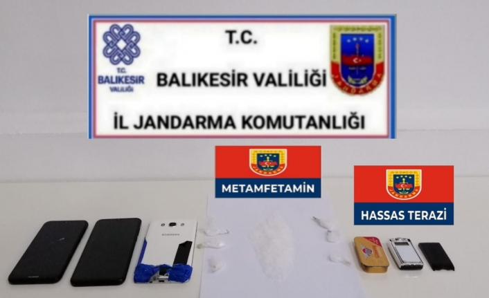 Altıeylül'de Jandarma  metamfetamin ele geçirdi