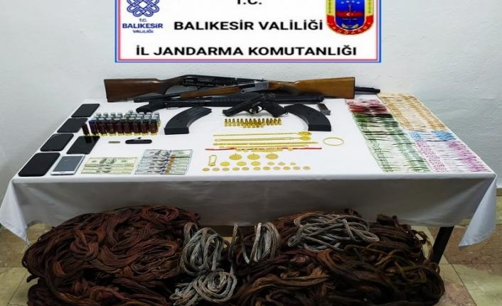 Balıkesir'de Jandarma hırsızlık şebekesini çökertti