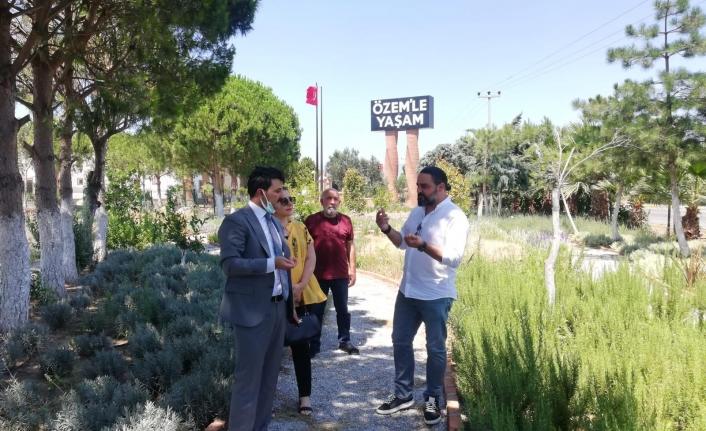 Edremit Kaymakamı Turgay Ünsal,Özem'le Yaşam firmasını ziyaret etti.