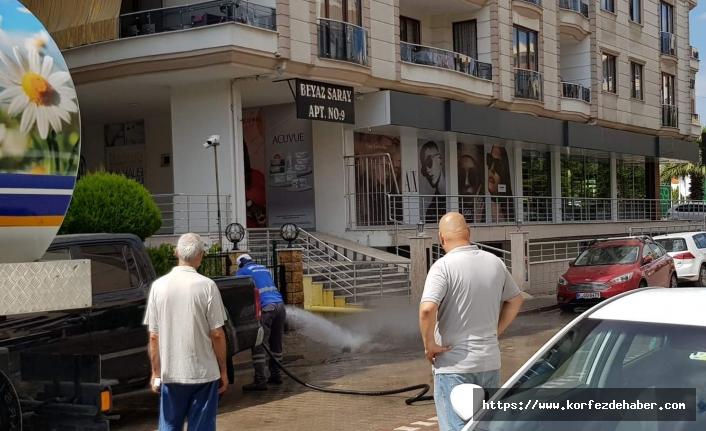 TİM çamura bulunan sokakları pırıl pırıl yaptı