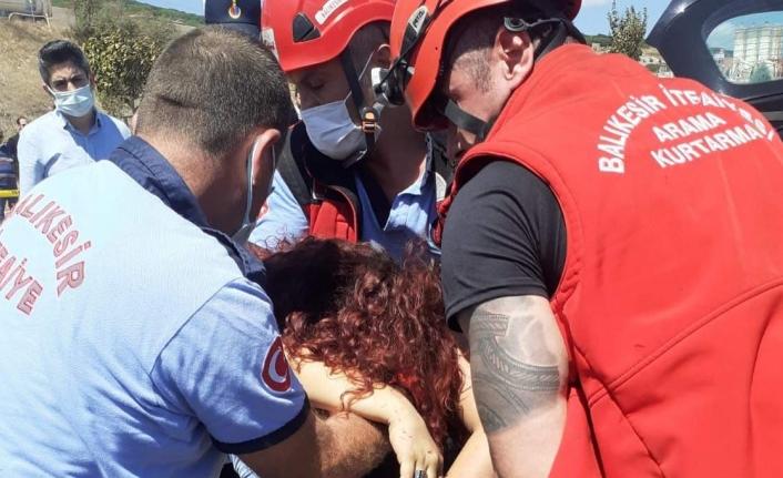 Balıkesir'de korkunç kaza: 2 ölü, 4 yaralı