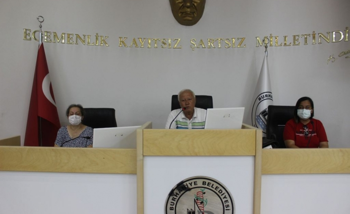 Burhaniye Belediye Spor Yeni yönetimini seçti.