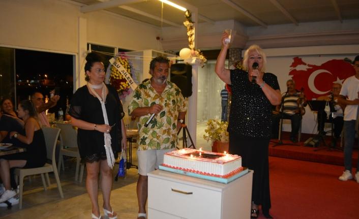 Dev sanatçı Ela Altın'a anlamlı doğum günü partisi