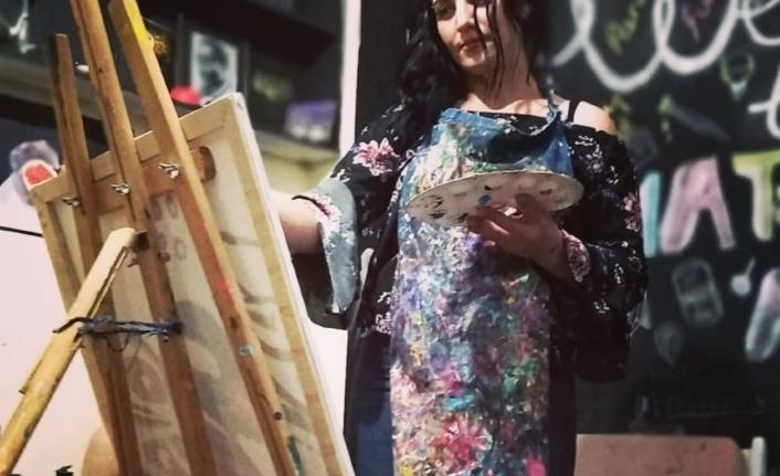 Hiperrealist ressam Serap Lokmacı 5.sergisine hazırlanıyor