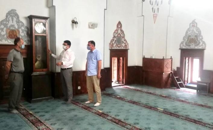Ünsal, tarihi camiyi ziyaret etti