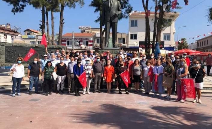 Ayvalık CHP'de kuruluş yıldönümü coşkusu