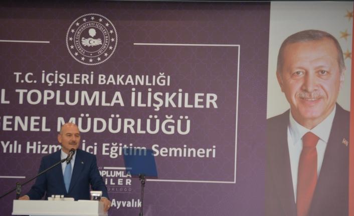 """Bakan Soylu, Ayvalık'ta. Soylu: """"Eşek yükü para alıp, ülkenin yöneticilerine küfreden kişiler var"""""""