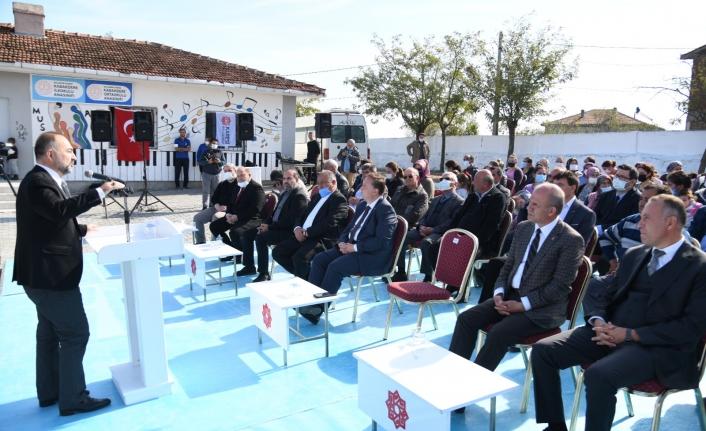 """Başkan vekili Şahin: """"Halı sahayı dedeler ve ninelerde kullanacak"""""""