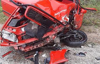 Dursunbey'de kazada araç bu hale geldi