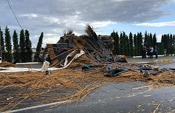 Edremit'te fırtına etkili oldu