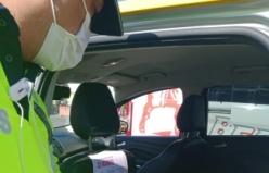 Taksi şoförüne '12 Kural' afişleri asıldı