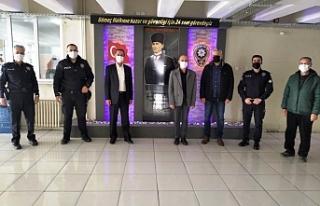 Gömeç MHP'den polise nazik jest