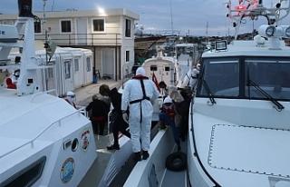 Ayvalık'ta 39 düzensiz göçmen kurtarıldı