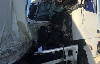 Edremit'te zincirleme kaza: 2 yaralı