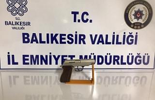 Polis 14 kişiyi gözaltına aldı. 7'si tutuklandı