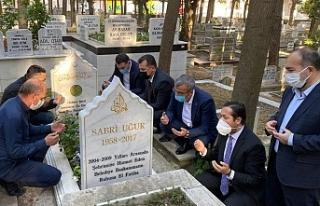 Sabri Uğur mezarı başında anıldı