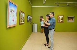 Aytun Erbaş resim sergisi Ayvalık'ta açıldı.