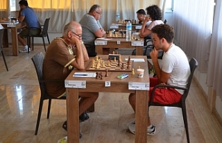 Ayvalık'ta satranç turnuvası