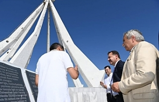 Başkan Yılmaz, Son Kurşun Anıtı'nı ziyaret...