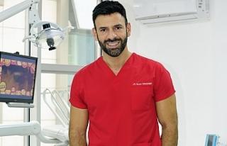 Diş implantları gerçek dişlere benziyor mu?
