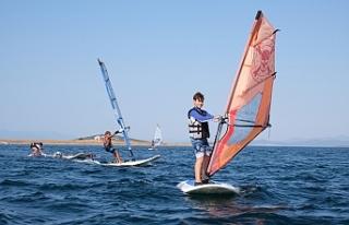 Galatasaray Yelken Kulübü rüzgar sörfü takımı...