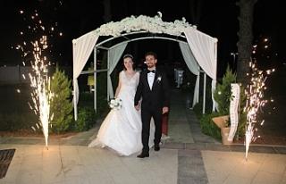 Nilay ile Kamer'in düğünü Gömeç'i bir araya...
