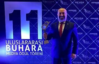 Başkan Yılmaz'a 'Yılın Büyükşehir Belediye...