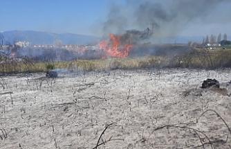 Akçay'da yangın büyümeden söndürüldü