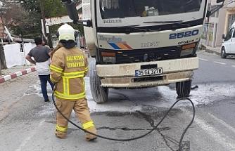 Balya'da seyir halindeki kamyon alev aldı
