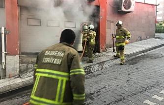 Bandırma'da PTT kargo bölümü böyle yandı