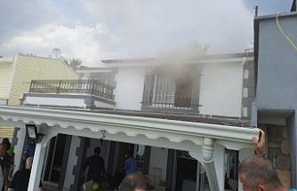 Edremit'te yağış etkili oldu, Ketaş'ın evine yıldırım düştü, yangın çıktı