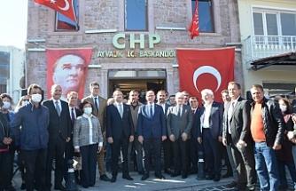 Ayvalık'ta Mesut Ergin ve 7 belediye meclisi için bir tören daha yapıldı
