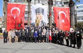 Edremit'te de 19 Ekim 'Muhtarlar Günü' düzenlenen törenle kutlandı.