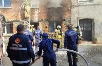 Edremit'te 2 katlı ev böyle yandı