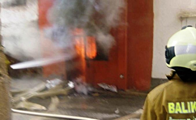 Kadının evi alev alev yandı