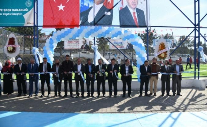 Yeniköy İlköğretim Okulu bahçesine yapılan Halı Saha açılışı yapıldı.
