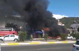 Yapı markette çıkan yangında baba öldü, oğlu yaralandı