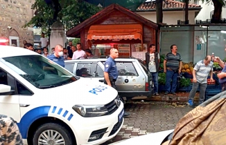 Edremit'te bir kişi apartman dairesinin balkonundan kurşun yağdırdı