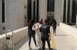 Aranan Fetö zanlısı kadın Edremit'te yakalandı